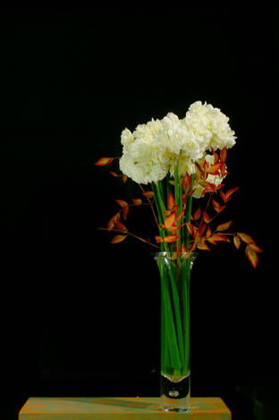 Jonquils_and_Sacred_Bamboo_in_glass_vase_1
