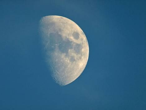 Waxing Gibbous Moon @ 1000mm day & night