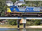 18_D_266_D5100_VR55_Tpod_Iso400_5Nov12_Pensa_Texar_RR-bridge_CSX-Eng-35_sgc699.jpg