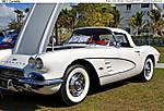 13_D_190_D3100_VR18-105_Iso180_27Feb11_Car-show_1961_Corvette_sgc699.jpg