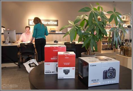 Pictureline - Fujifilm X-Pro1 ISO 1600 Sample Photo