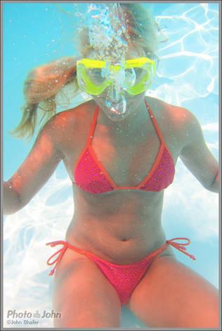 Underwater Andrea - Canon PowerShot D20