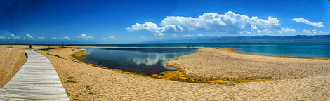 Panorana view of Qinghai Lake