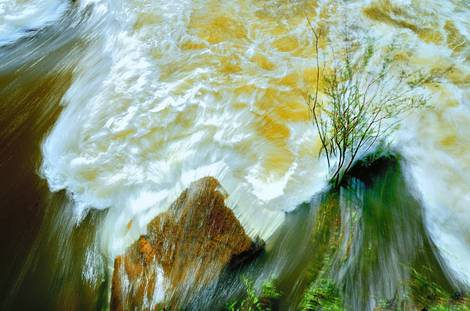 Water flow of Paraná River Argentina