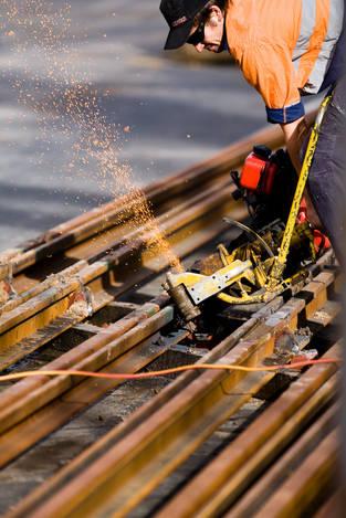 Replacing tram tracks