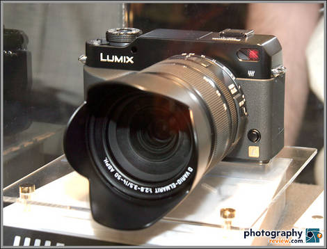 Panasonic DMC-L1 Digital SLR
