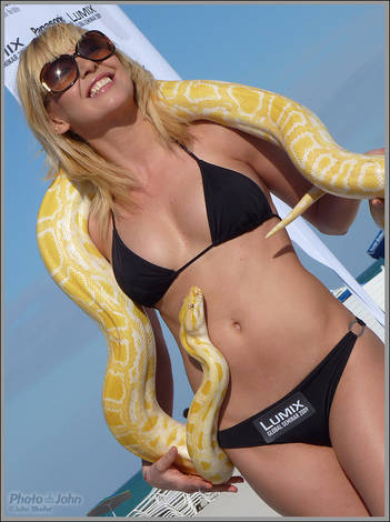 Panasonic Lumix ZS3 / TZ7 - Snake Handler Girl