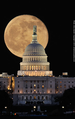 government moon full-moon us-capitol washington-dc usa travel