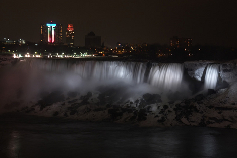 Niagara Falls Celebrates New Year 2013