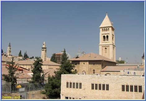 Mosque between Temples