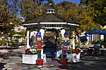 Happy_Holidys_Gazebo_JRJ0380.jpg
