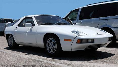 One 1980 Porsche 928 sports car