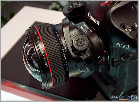 Canon TS-E 17mm Tilt-Shift Lens