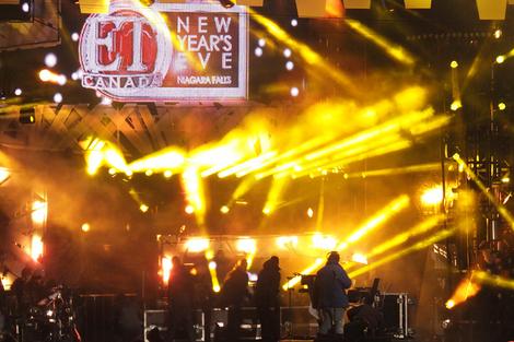 ET Canada - Niagara Falls New Year