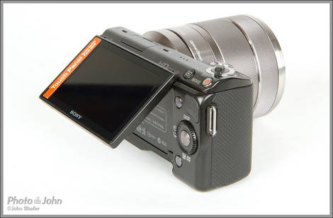 Sony NEX-5N - Tilting LCD Display