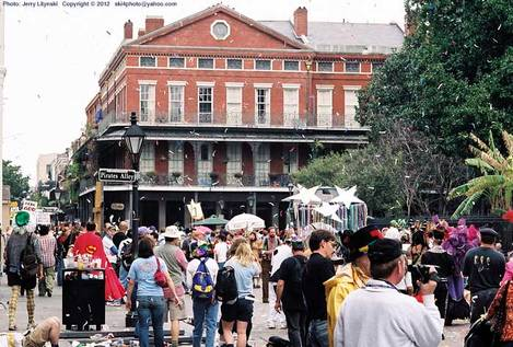 Jackson Square on Fat Tuesday - 2005